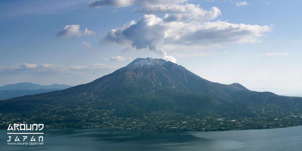 """ภูเขาไฟที่ยังไม่หลับใหล""""ซากูราจิมะ"""""""