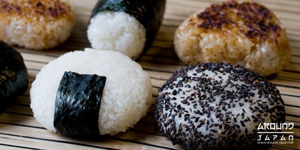 โอนิงิริข้าวปั้นของญี่ปุ่น