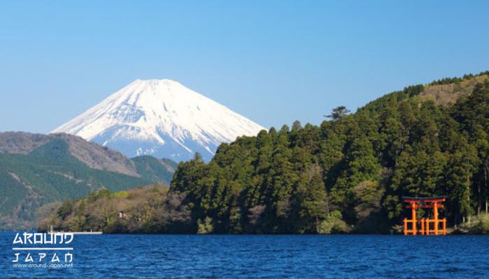 แหล่งท่องเที่ยวธรรมชาติในญี่ปุ่น ญี่ปุ่นเป็นประเทศที่มีแหล่งช้อปปิ้ง รวมทั้งยังมีสถานที่ท่องเที่ยวทั้งที่สร้างขึ้นมาเพื่อการท่องเที่ยว