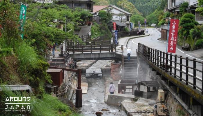 Yunomine Onsen แหล่งแช่ออนเซนที่เก่าแก่ที่สุดในประเทศญี่ปุ่น หนึ่งสิ่งในญี่ปุ่น ที่มีชื่อเสียงไม่ใช่น้อยเลยนั่นคือ ออเซนหรือการแช่น้ำร้อน