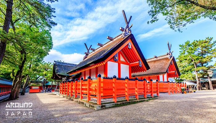 ศาลเจ้าสุมิโยชิ (Sumiyoshi Taisha) ที่นี่เป็น ศาลเจ้าในศาสนาชินโต ที่มีการสร้างมาตั้งแต่สมัย 1,800 ปีที่ผ่านมาแล้วมีการสร้างขึ้นมาก่อน