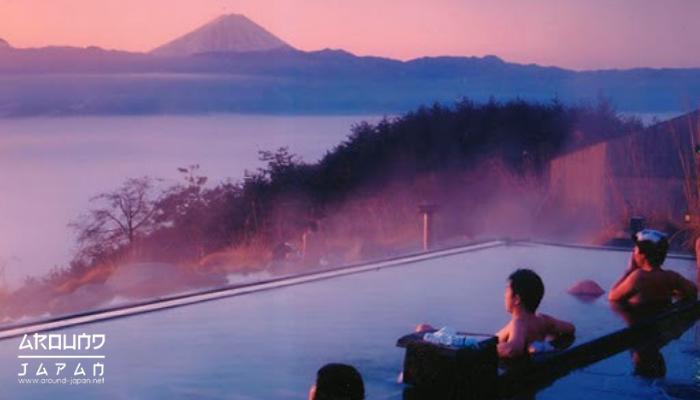 เที่ยวญี่ปุ่นดูฟูจิที่ ยามานาชิ ดินแดนแห่งขุนเขา หากพูดถึง ประเทศญี่ปุ่น เชื่อว่าหลายคนจะต้องนึกถึงภูเขาไฟสูงเด่นมักถูกปกคลุมด้วยหิมะสีขาว